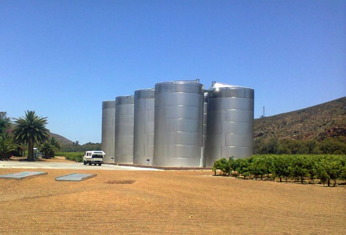 300 000L White Wine Storage Tanks