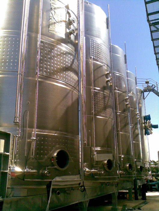 80 Ton Red Wine Fermenters