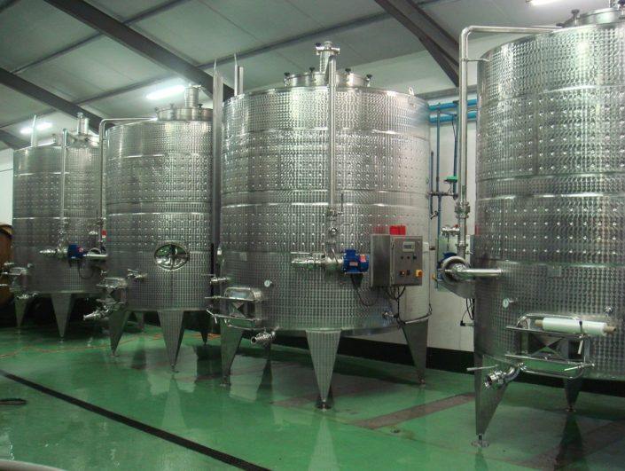Red Wine Fermenters - Automated Pump-Over System