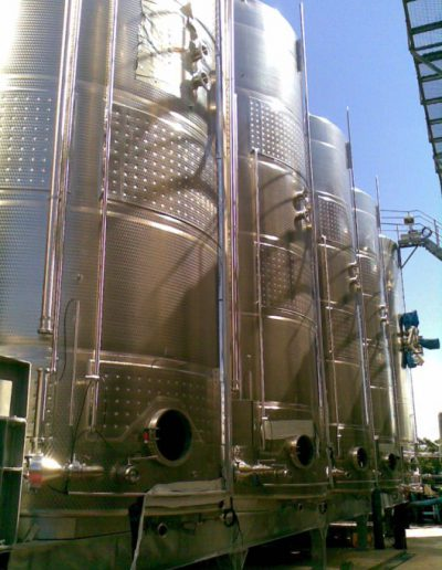 80 Ton Red Wine Fermenters